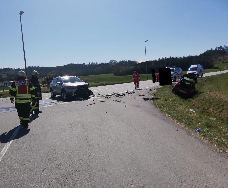 Verkehrsunfall LB41 -Kreuzung Tankstelle